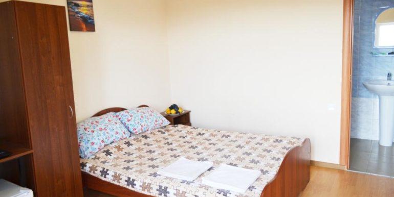 2-х местный номер с одной 2-х спальной кроватью.