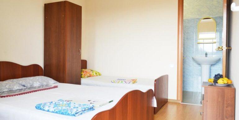 3-х местный номер с 2-х спальной и односпальной кроватяи