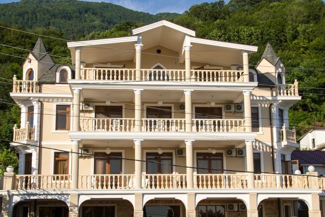 Отель «Сан Арда» (Гагра   Абхазия)