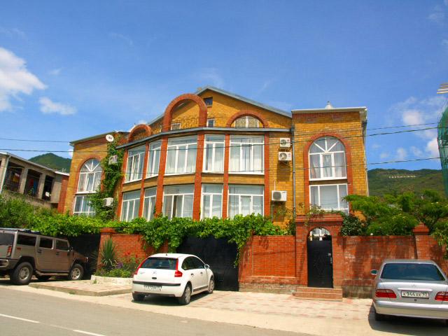 Гостевой дом «Ольга» с бассейном (Геленджик)