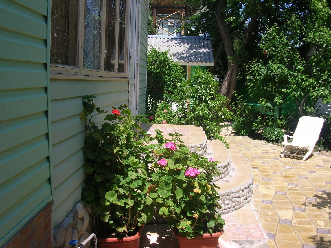 Гостевой дом «Уютный дворик» (п.Небуг | Туапсинский район)